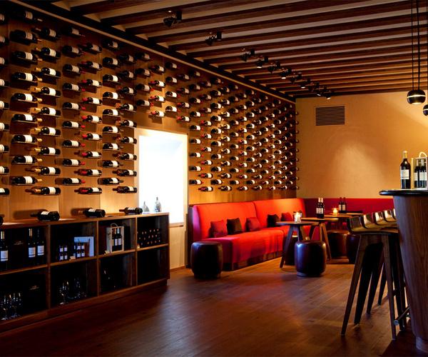Un complejo enotur stico de valladolid nico - Decoracion de vinotecas ...