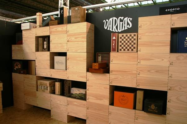 stand feria madera