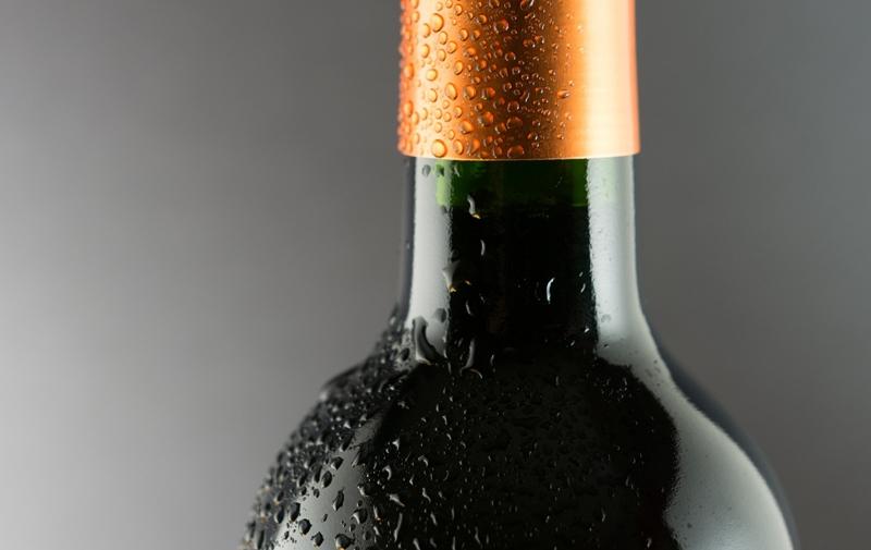 botella de vino tinto, frío