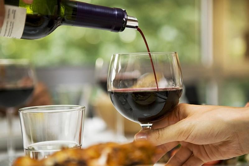 Una buena copa de vino tinto