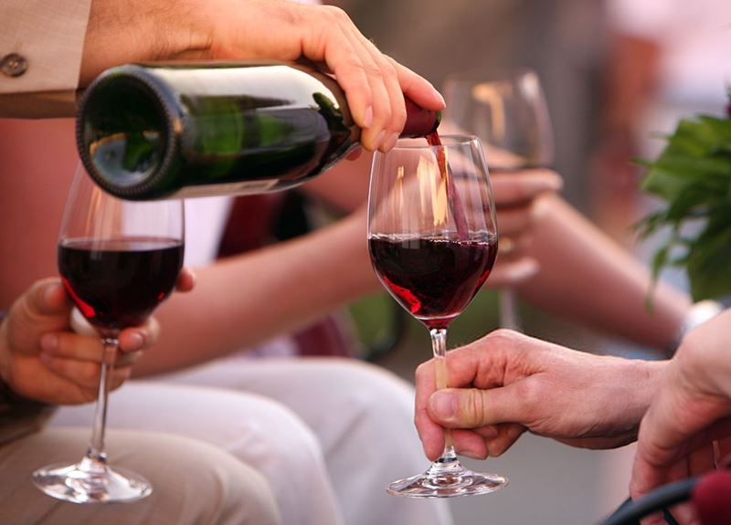 servir_vino