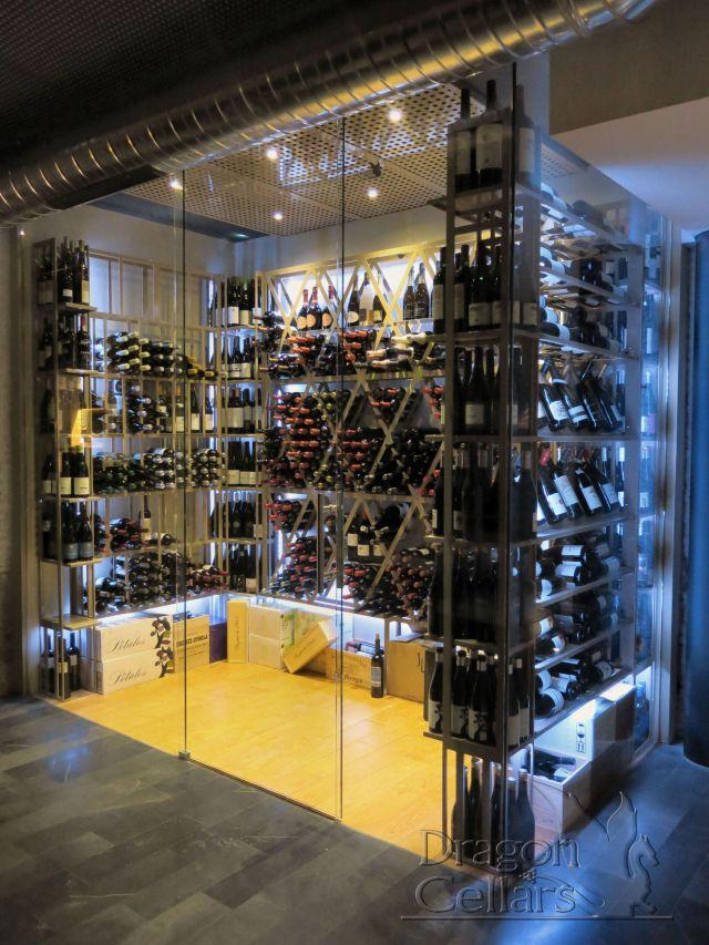 Bodega a medida climatizada para restaurante alabaster - Montar una vinoteca ...