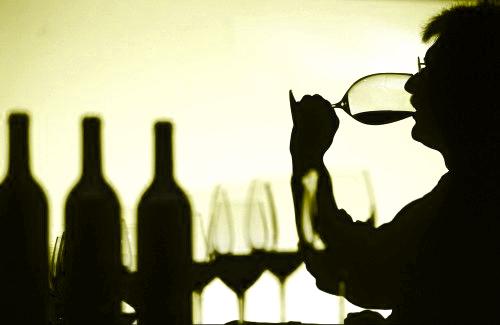 La \'cuarta fase\' de la cata de vinos: Sensaciones táctiles